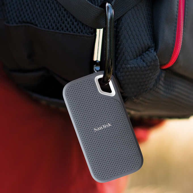 Sandisk extreme portable 1tb solid state drive (ssd)